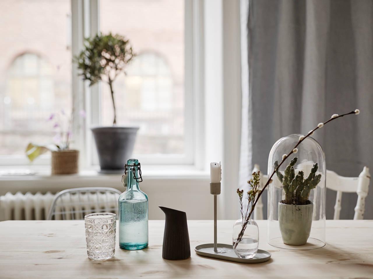 home-tour-couleur-pastel-suedois-table-cuisine-mademoiselle-claudine