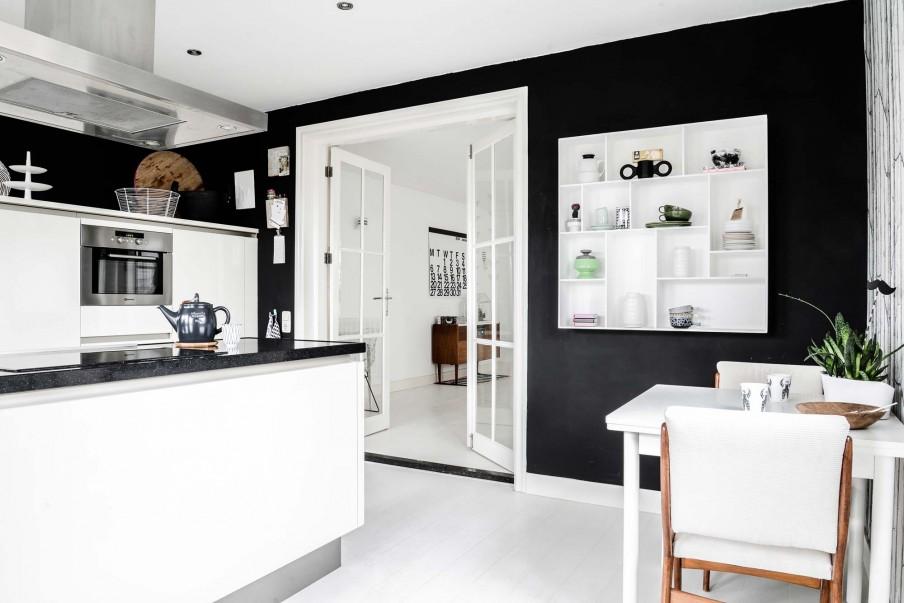 Home tour quand le vintage rencontre le scandinave for Peindre mur cuisine en noir