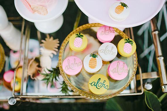 decoration-fête-exotique-mademoiselle-claudine-aloha-gateau-ananas