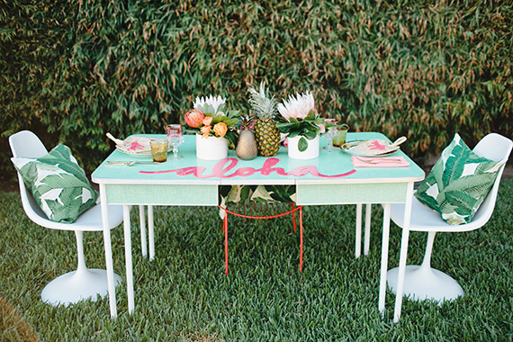 decoration-fête-exotique-mademoiselle-claudine-aloha-table-chaise-tulipe