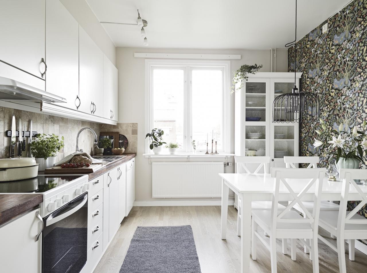 home-tour-cuisine-tapisserie-retro-mademoiselle-claudine