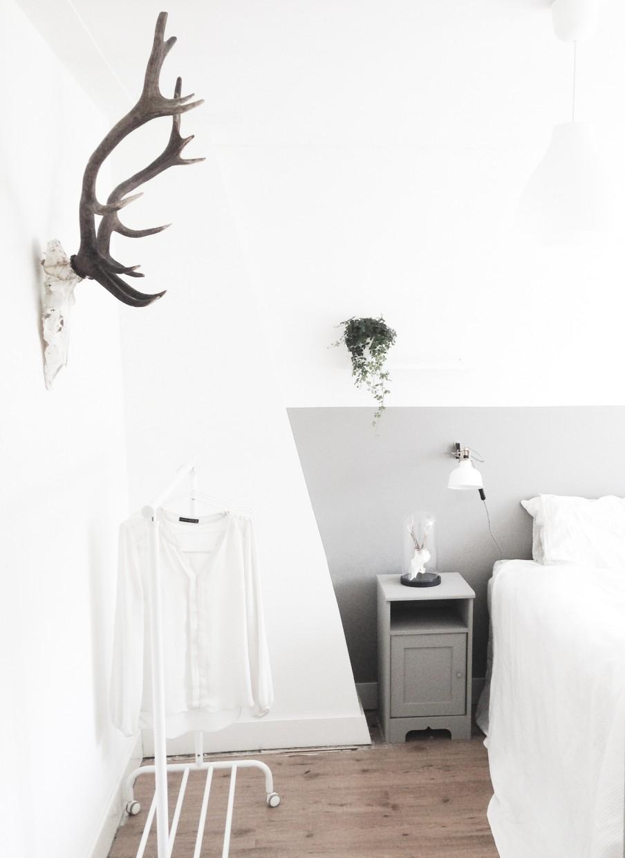 home-tour-bmacn-scandinave-détail-trophée-tête-de-lit-mademoiselle-claudine