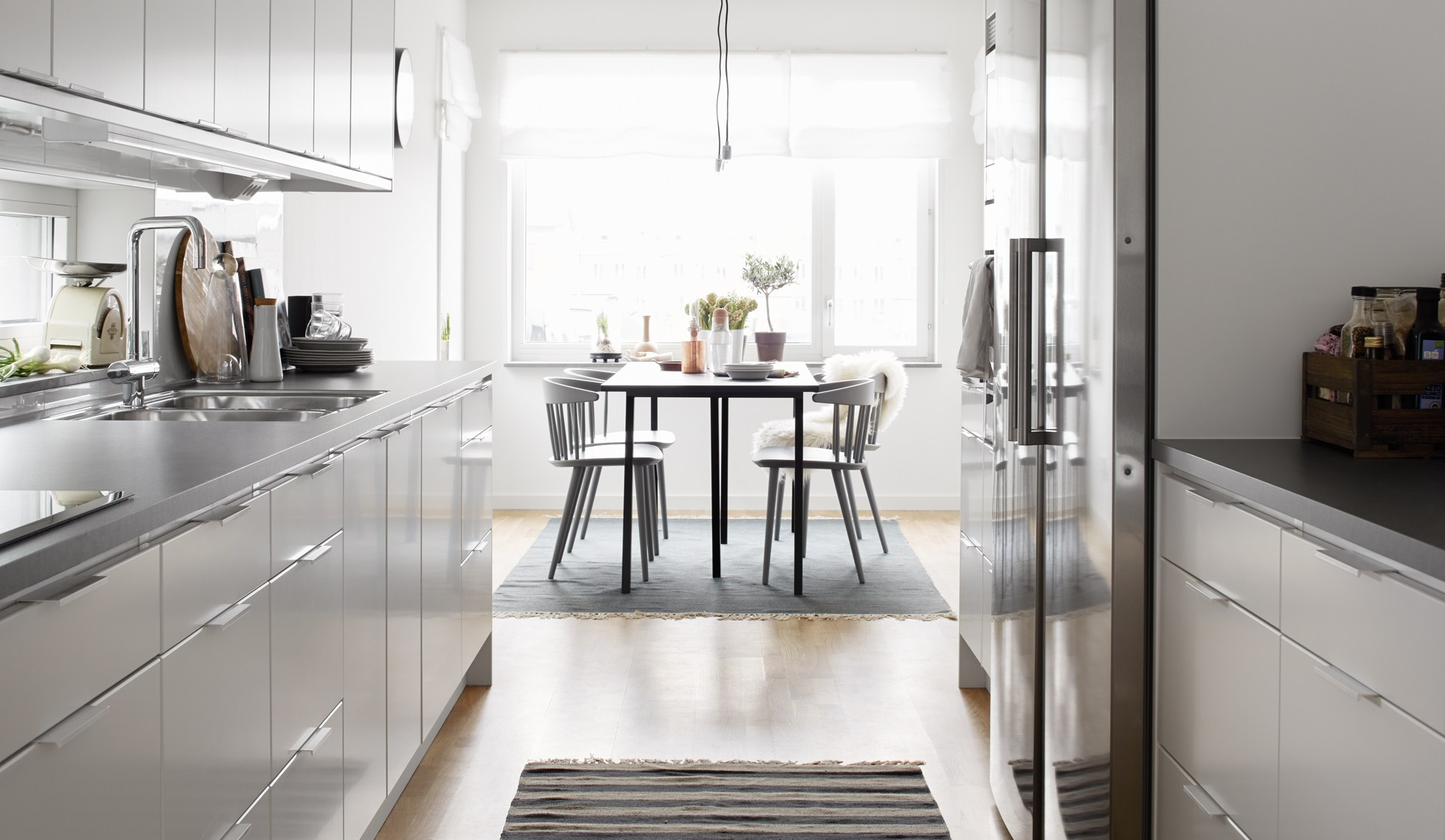 intereiru-allure-scandinave-cuisine-inox-table-mademoiselle -claudine