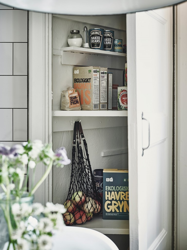 home-tour-cuisine-placard-filet-mademoiselle-claudine