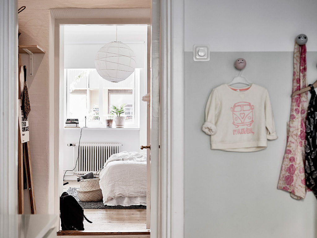 home-tour-scandinave-couloir-mademoiselle-claudine