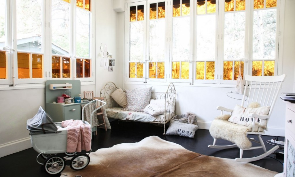 home-tour-maison-familiale-chambre-enfant-lit-fer-forgé-mademoiselle-claudine