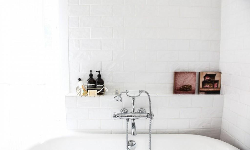 home-tour-maison-familiale-salle-de-bain-ancienne-mademoiselle-claudine