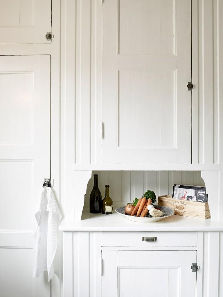 home-tour-appart-suedoise-detail-cuisine-bois-mademoiselle-claudine