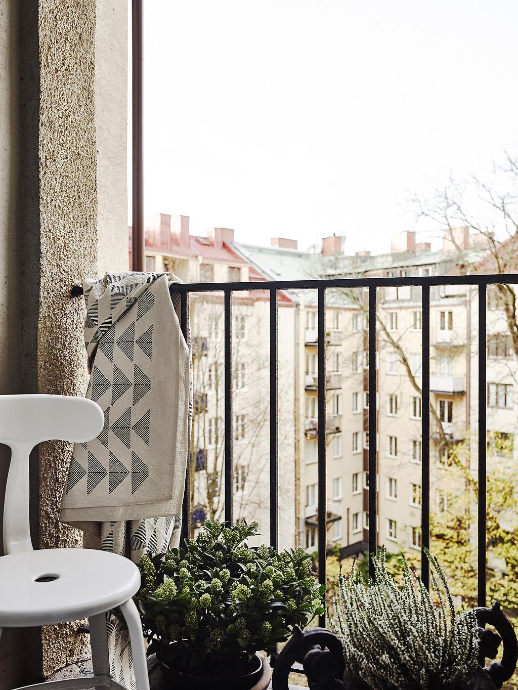 home-tour-splendide-balcon-mademoiselle-claudine