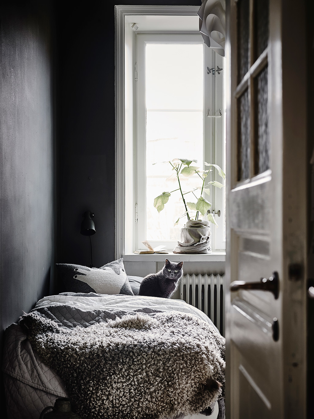 home-tour-chambre-grise-chat-mademoiselle-claudine