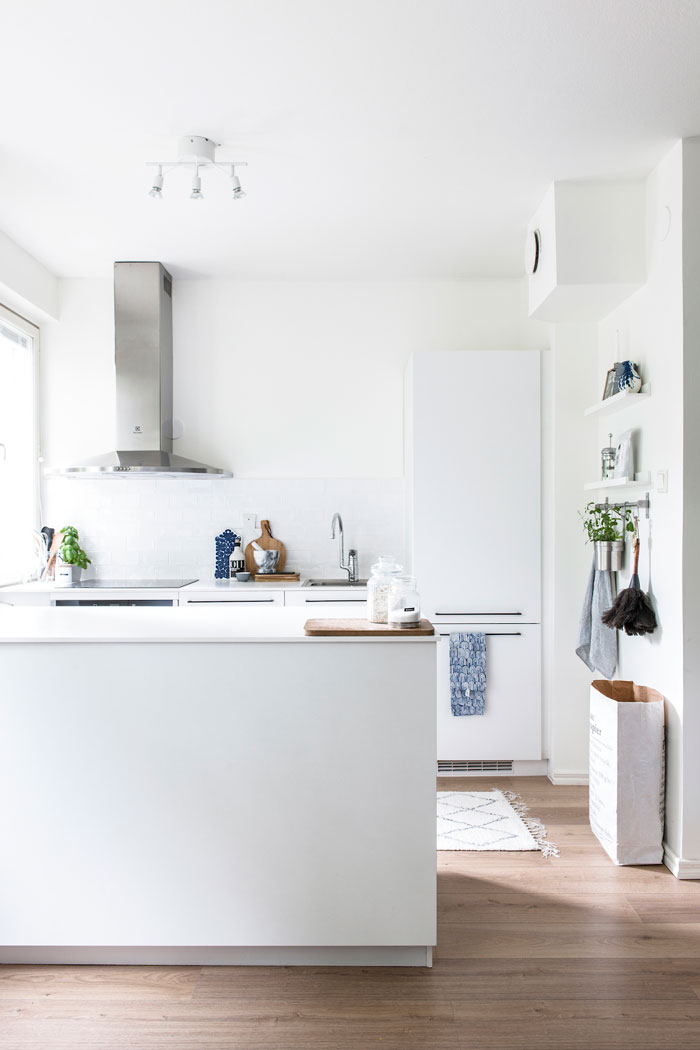 home-tour-scandinave-apaisant-cuisine-blanche-madmoiselle-claudine