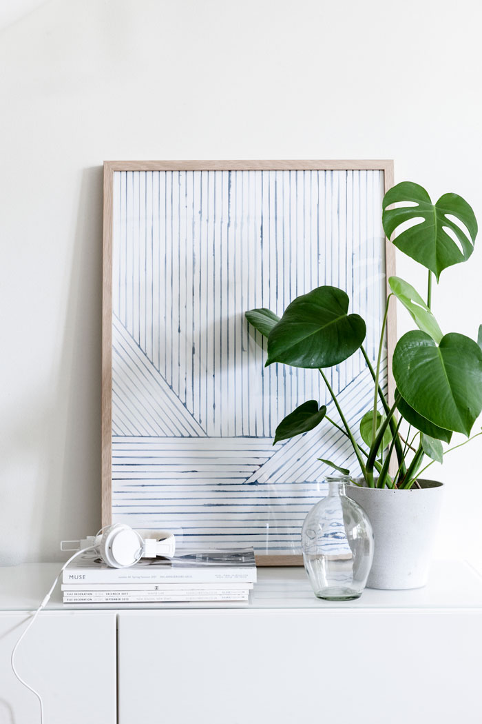 home-tour-scandinave-apaisant-detail-cadre-plante-mademoiselle-claudine