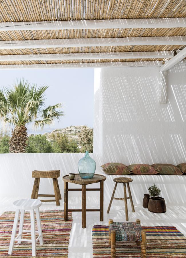 decoration-exterieure-tabouret-terrasse-mademoiselle-claudine