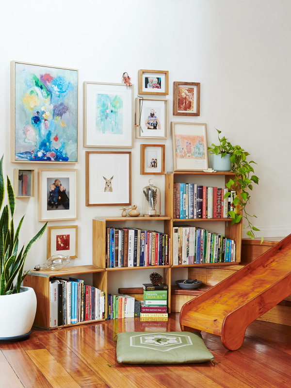 home-tour-style-briquesdecoration-escalier-cadre-mademoiselle-claudine