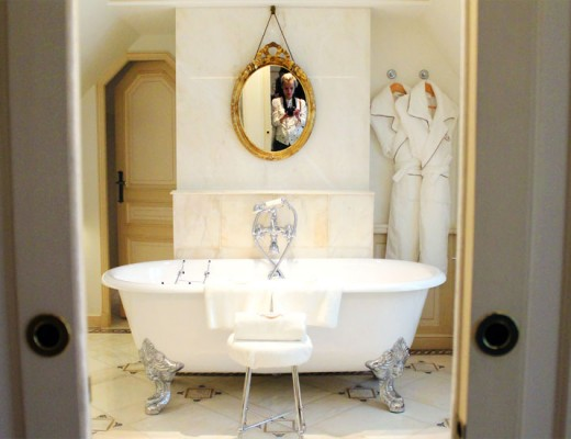 meurice-visite-palace-parisien-mademoiselle-claudine-salle-de-bain
