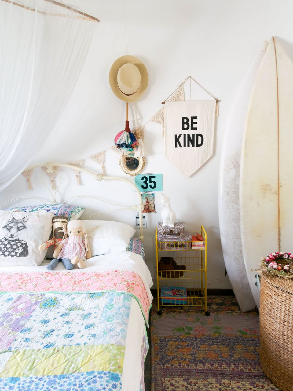 decoraiton-boheme-chambre-enfant-fanion-mademoiselle-claudine