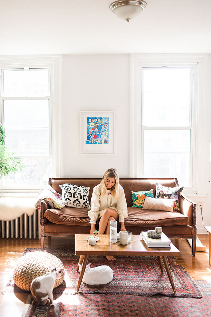 home-tour-new-york-decoration-appartement-boheme-salon-mademoiselle-claudine