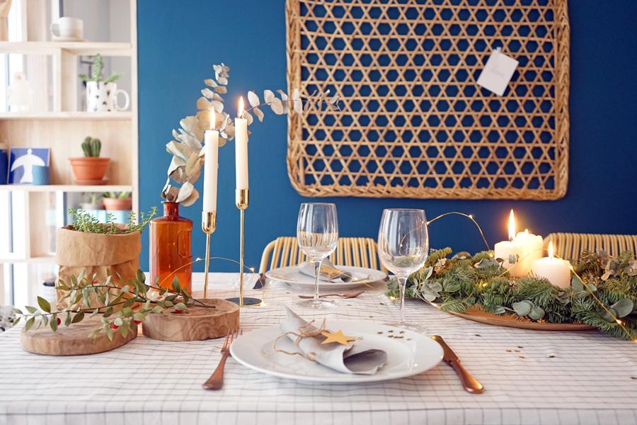 table-de-noel-tendance-mur-bleu-madmeoiselle-claudine