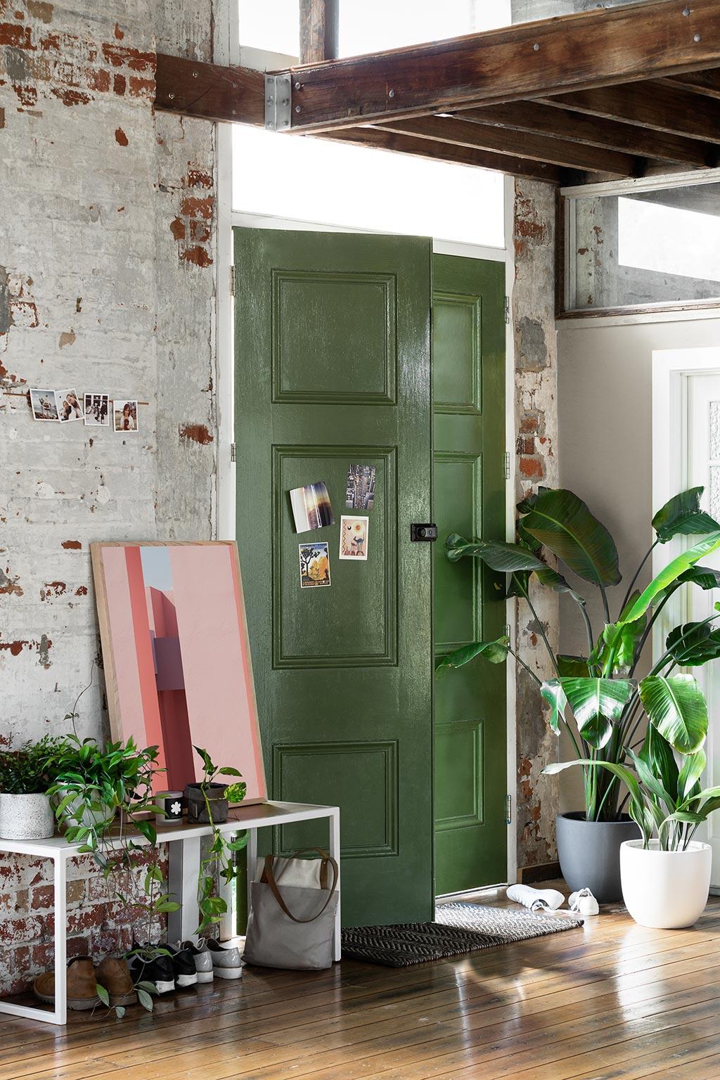 home tour australien decoration entree porte verte briques mademoiselle claudine