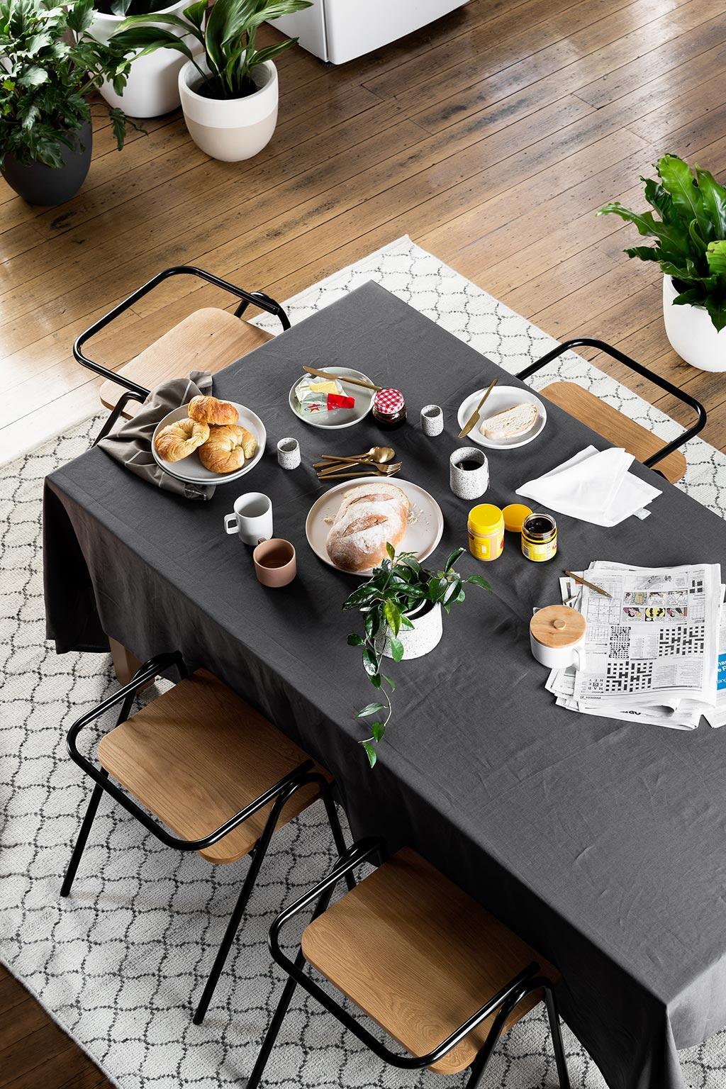 mademoiselle claudine decoation table nappe noire mademoiselle claudine