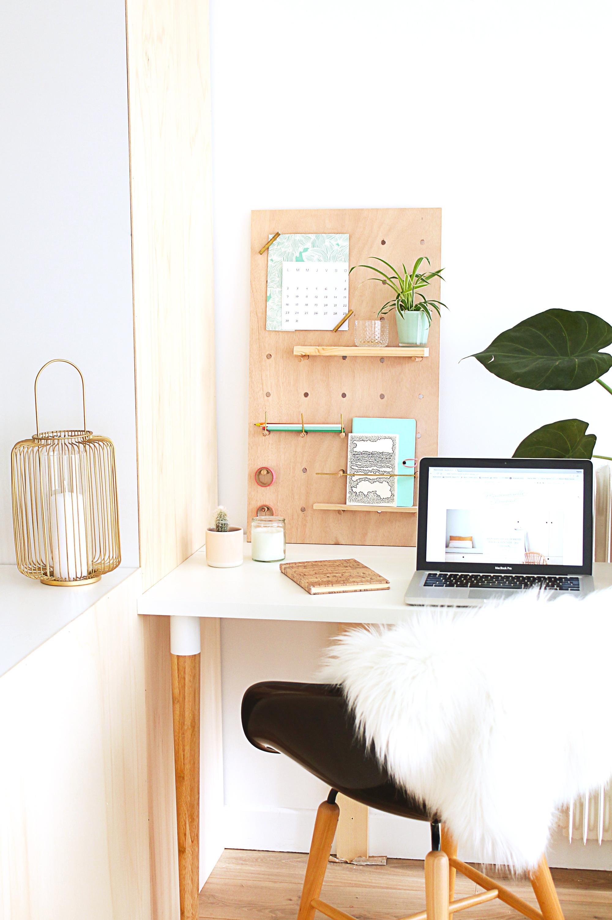 diy-peg-board-bureau-chaise noire mademoiselle claudine