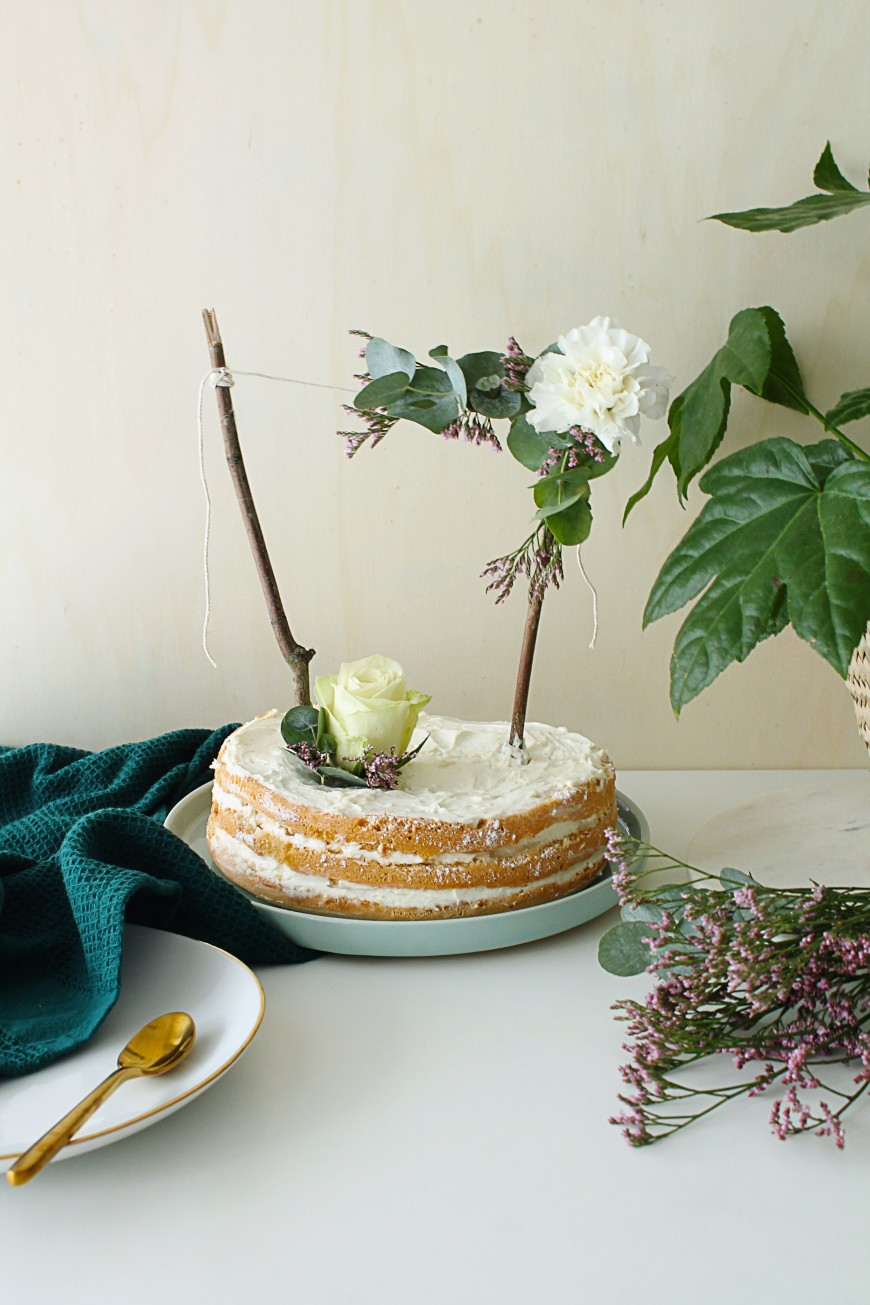 Diy Topper Cake En Fleurs Fraiches Mademoiselle Claudine X Bloom S