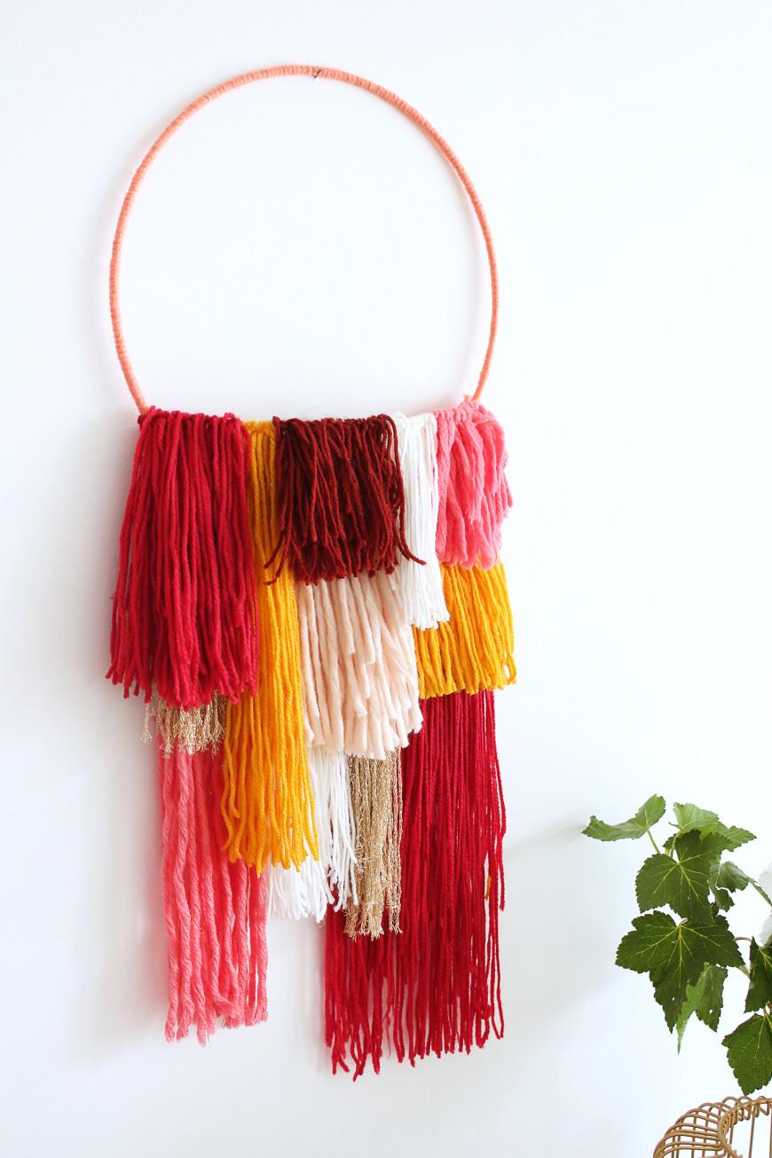 Diy une decoration murale en laine obsigen for Decoration murale laine
