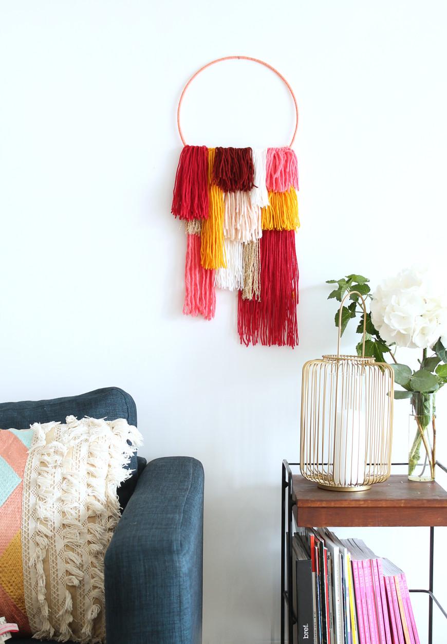 Diy une decoration murale en laine mademoiselle for Decoration murale laine