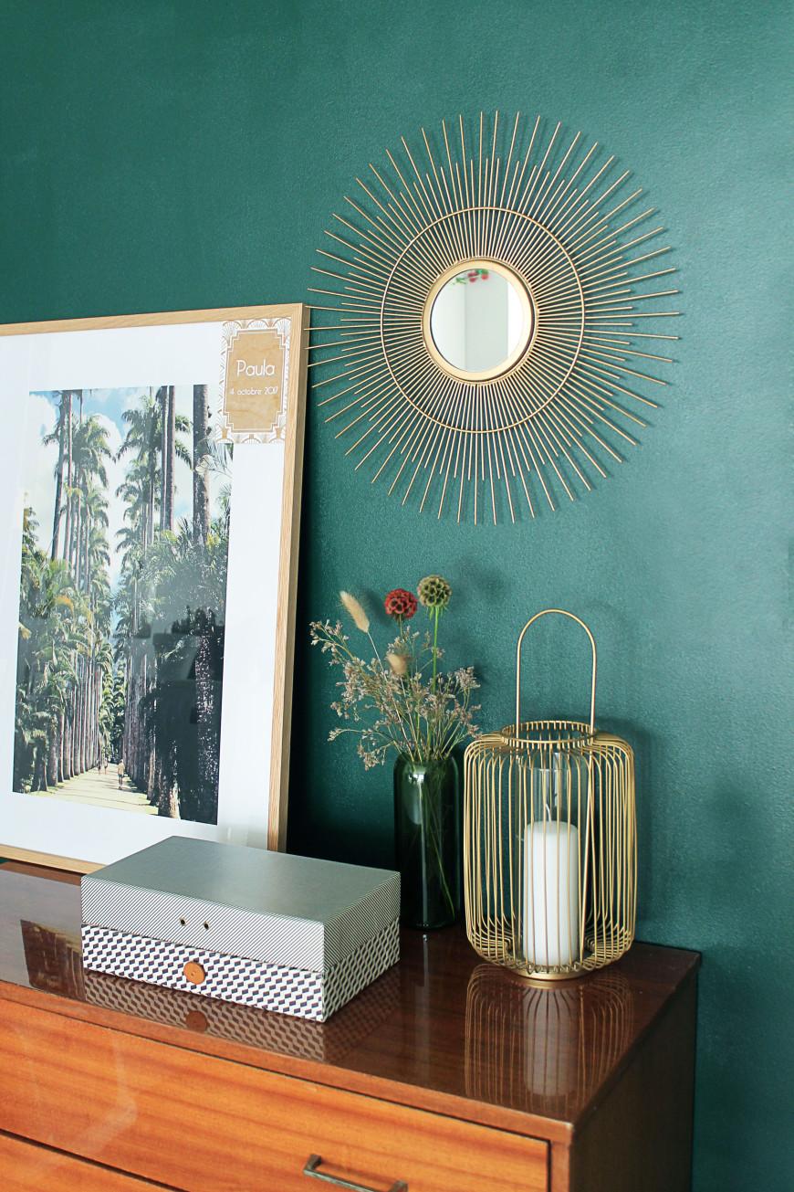 cadre-photo-devant-mur-de-couleur-mademoiselle-claudine-