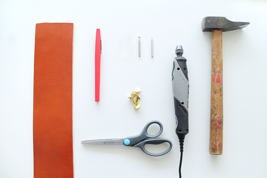 1-Materiel-vase-cuir