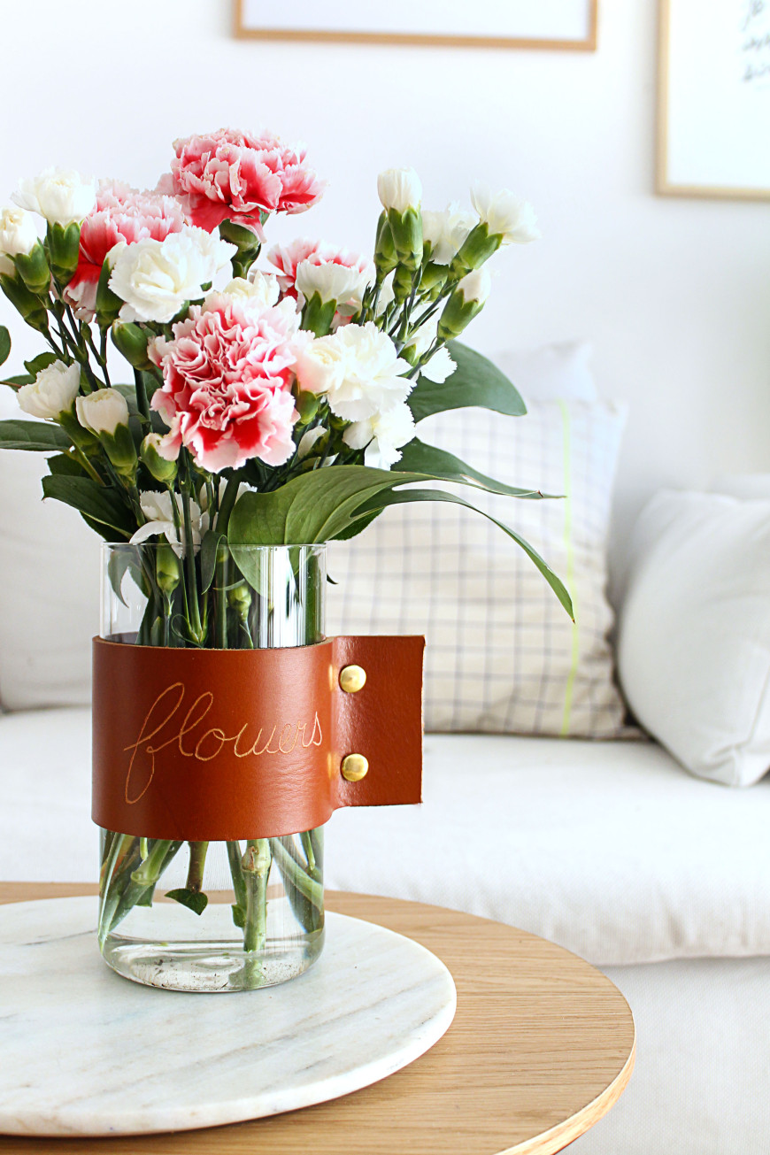 17-Vase-cuir