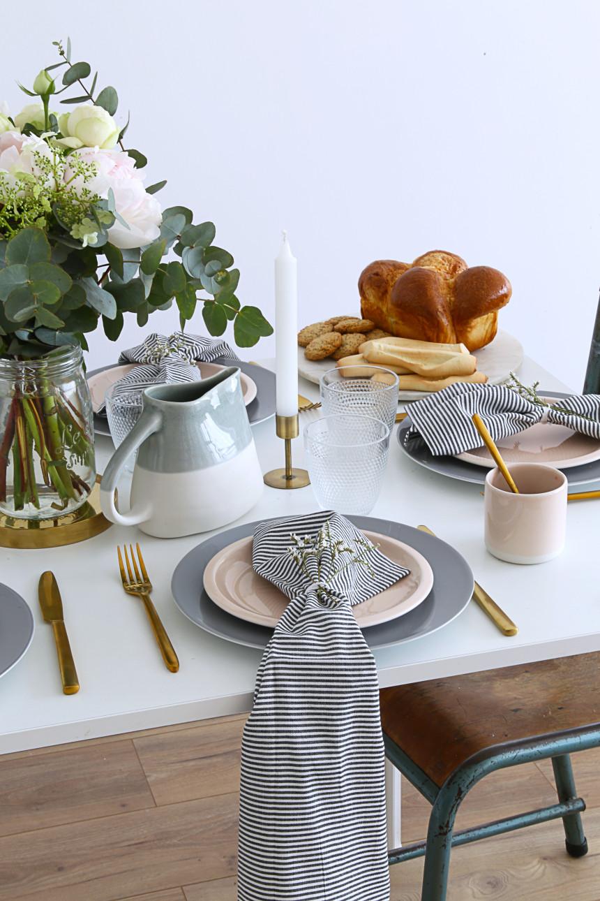 table-de-fete-des-mere-serviette-mademoiselle-claudine-
