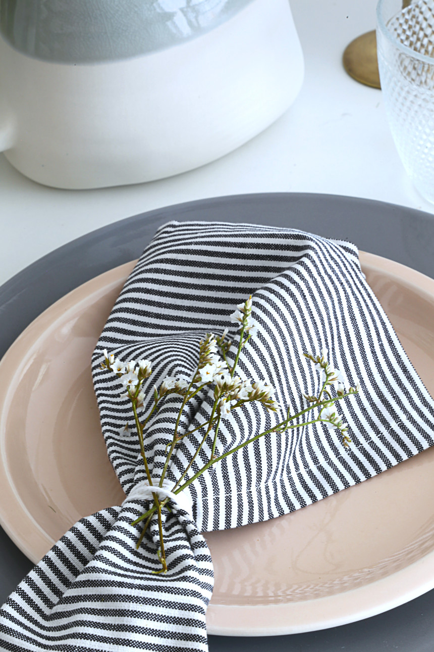 table-fete-des-meres-serviettes-mademoiselle-claudine-