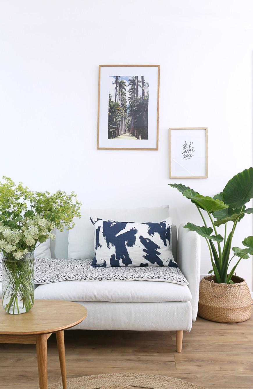toilesdemayenne-coussin-bleu-edredon-canape-blanc-1806bytoilesdemayenne-mademoiselleclaudine-blog-lifestyle-decoration-paris
