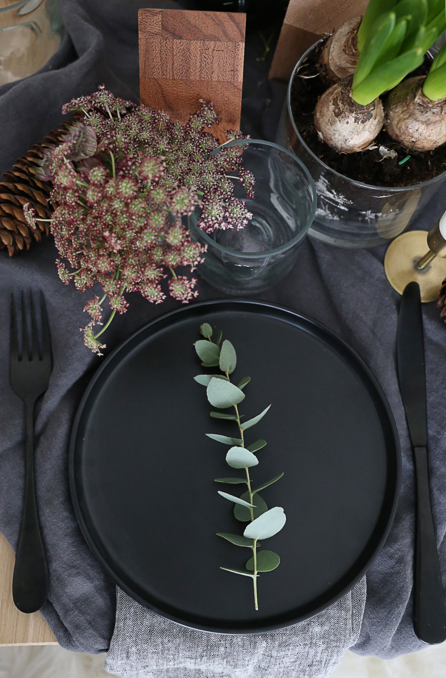 decoration table noel assiette noire mademoiselle claudine