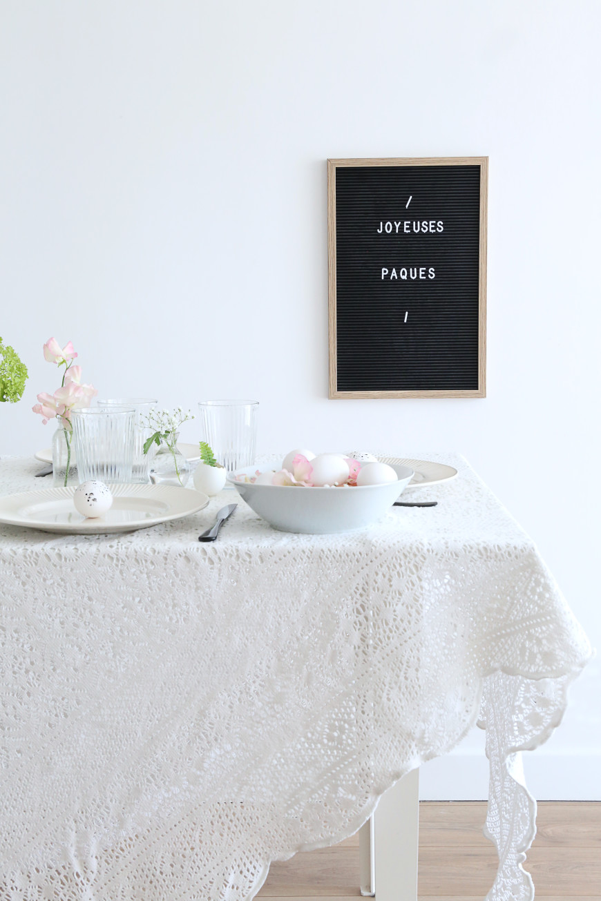 12-decoration-table-paque-table-joyeuse-paques-