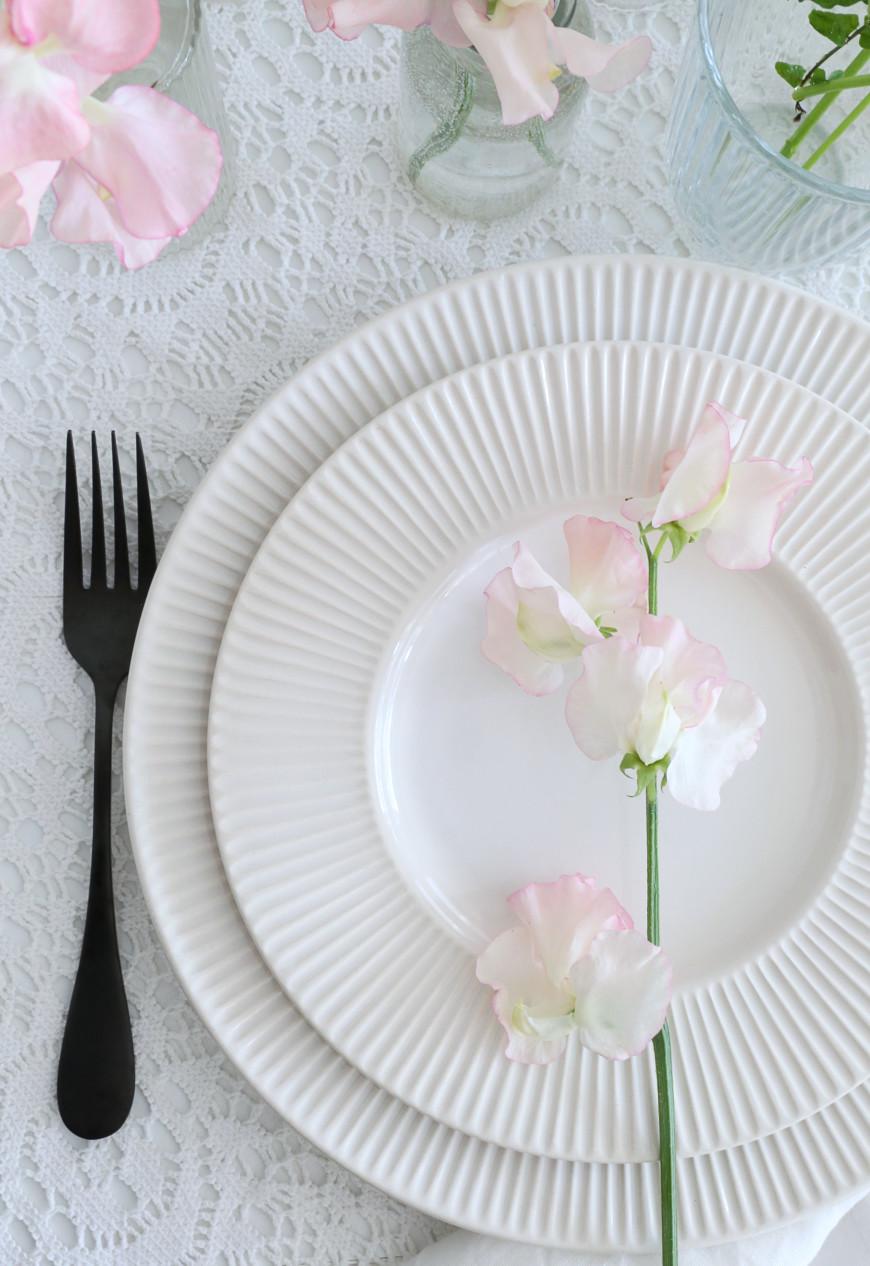 23-fleurs-assiette-blanche-decoration-table-paque-mademoiselle-claudine-