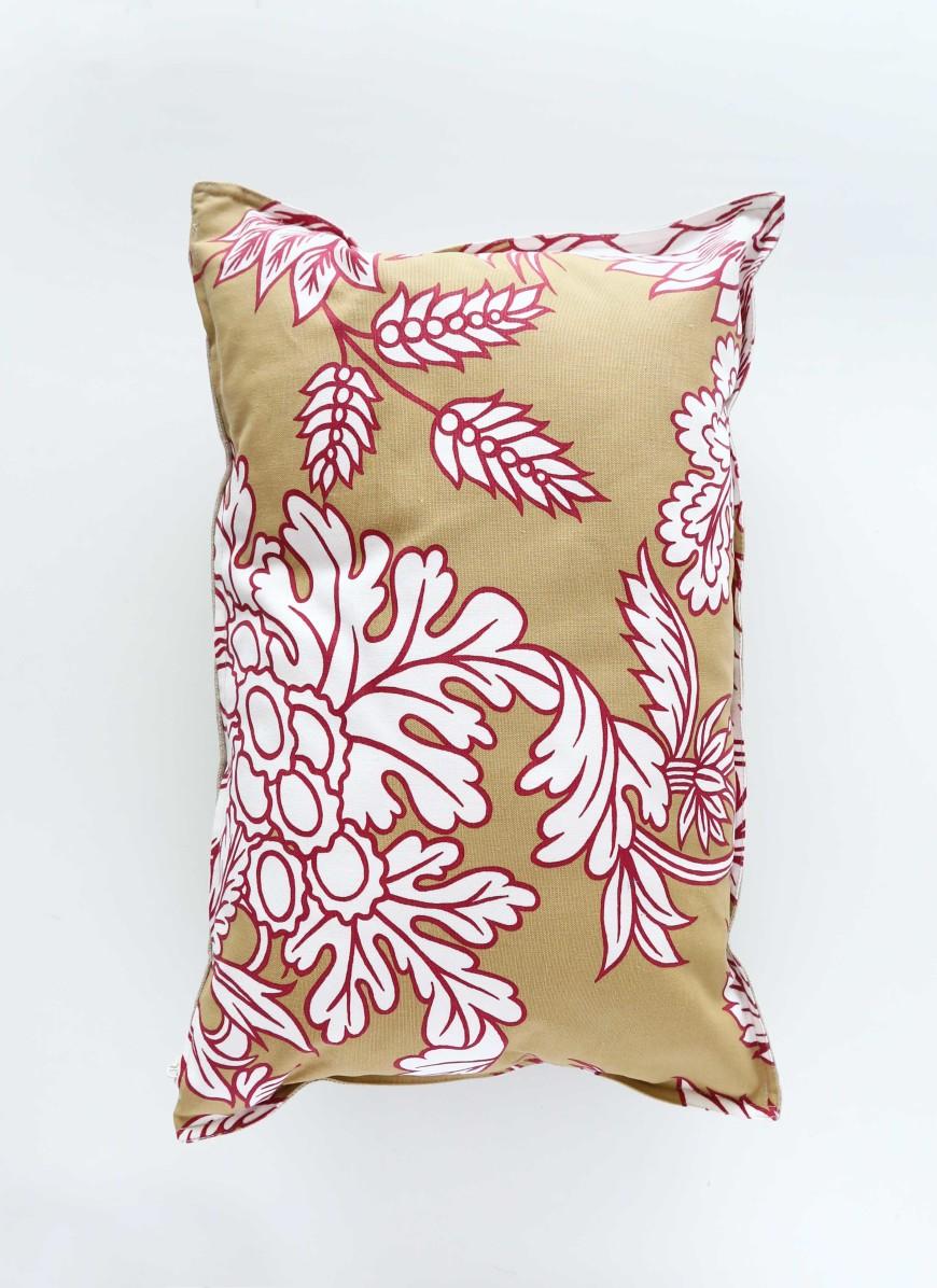 coussin-toile-de-mayenne-rose-et-ambre-motifs-mademoiselle-claudine-